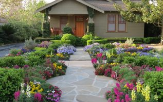 Picture of Lovely House Gardening and Landscaping Concepts