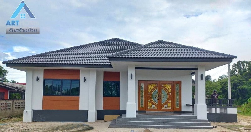 Picture of Modern Bungalow House with Prominent Hip Roof